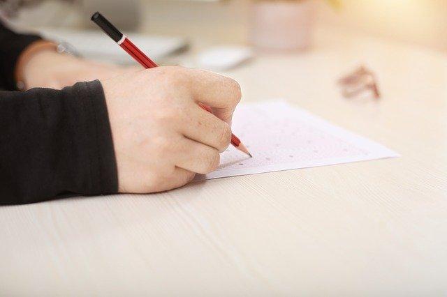 Perbedaan IELTS Test dan TOEFL Test