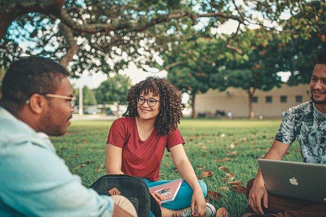 Contoh Perkenalan Diri Dalam Bahasa Inggris Untuk Mahasiswa